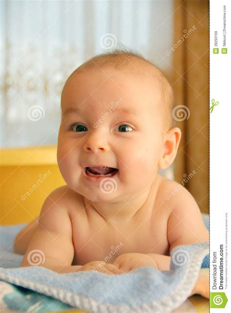 baby laughing at dog in bathtub baby laughing at in bathtub 28 images bath stock