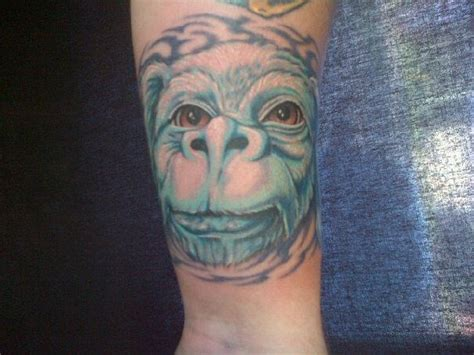 falcor tattoo tb5v8dz cachekinz falcor the geomutt