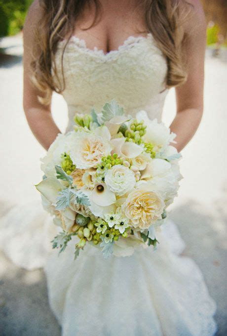 25  best ideas about Ivory Wedding Flowers on Pinterest