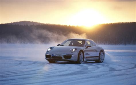 porsche 911 snow 2013 porsche 911 in snow wallpaper hd car wallpapers id