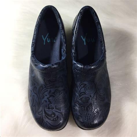 yuu shoes 33 yuu shoes nwobt yuu bethanee slip on clogs size