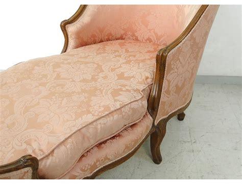 chaise louis xv occasion chaise longue louis xv duchesse en bateau noyer sculpt 233 xviii 232 me si 232 cle