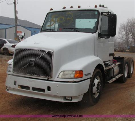 volvo truck 2003 2003 volvo semi truck no reserve auction on tuesday