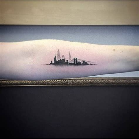 la skyline tattoo 25 best ideas about new york on nyc
