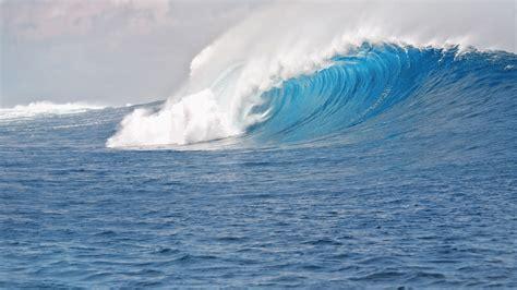 hd blue sea waves desktop wallpaper