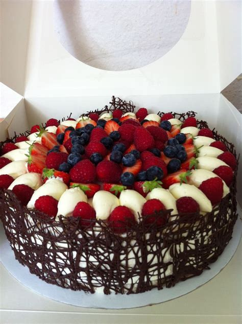 birthday cakes brighton cakes birthday cake hove sussex raspberries baking   cake