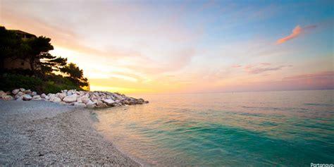 dell adriatico pesaro il lungo litorale adriatico delle marche