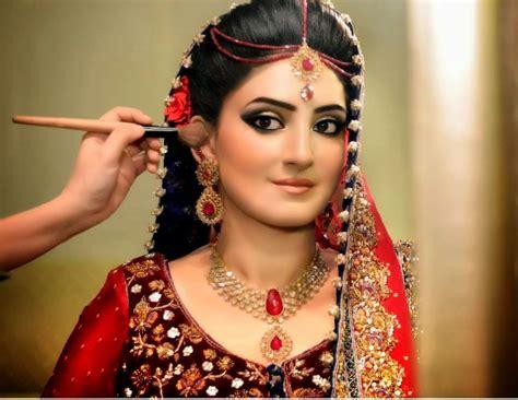 beautiful bridal makeup beautiful and pretty bridal makeup desi indian bride
