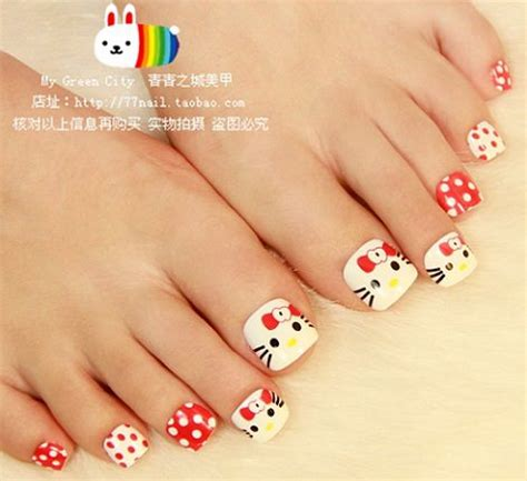 imagenes de uñas pintadas de los pies y manos ideas originales para una pedicura de hello kitty