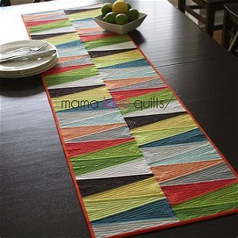 quilted tablecloth table linens modern dresden quilt table runner favequilts com