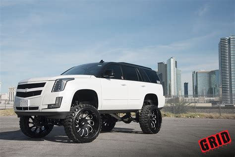 jeep escalade grid off road vehicle