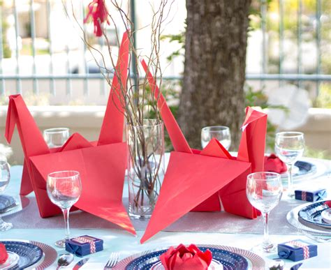 Origami Crane Centerpiece - origami themed wedding table and centerpiece ideas