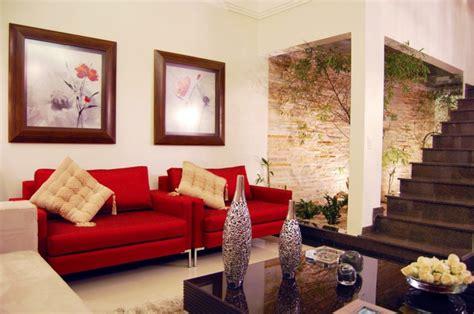 rotes sofa wohnzimmer moderne zimmerfarben ideen in 150 unikalen fotos