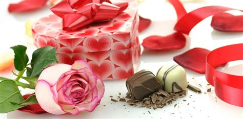 when to buy valentines day flowers what to buy for s day 2018 inmotion flowers