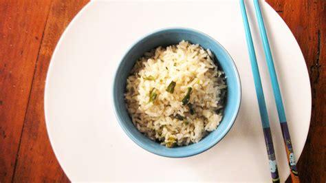 cucinare riso al vapore riso basmati al vapore con cipollotti