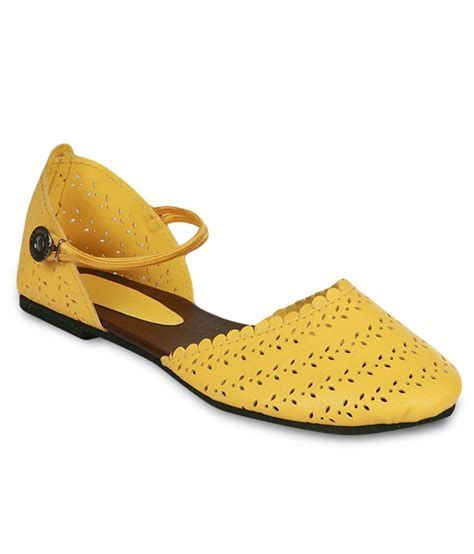 flat yellow sandals studio 9 yellow flat sandals price in india buy studio 9