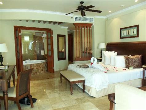 valentin imperial imperial suite room 6302 golden jr suite third floor picture of