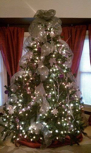 decorating christmas tree with wide mesh ribbon make reverb10