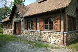 barn with bluestone sill and brick corner coining
