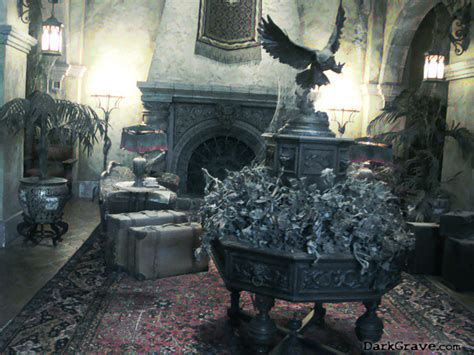 haunted house living room haunted living room www pixshark images galleries with a bite