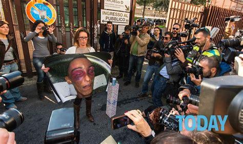 il caso cucchi caso cucchi sospesi dal servizio i tre carabinieri
