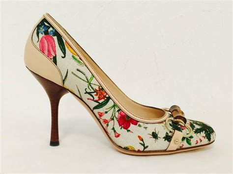 Gucci Floral Heels gucci ivory floral print fabric pumps with bamboo bits and
