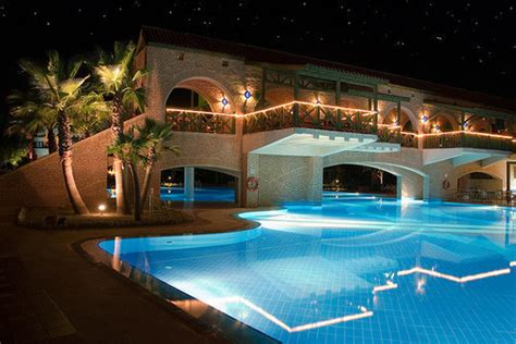 cool houses with pools amazing cool house luxury night image 260736 on