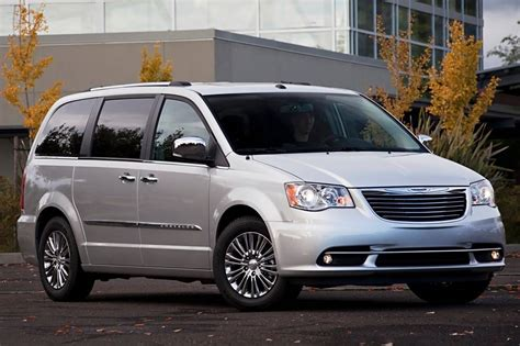 used chrysler town and country 2013 used 2013 chrysler town and country for sale pricing