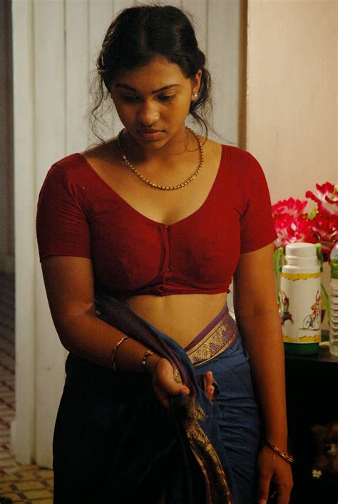 kerala aunties removing dress village aunty blouse show maalaamaaal