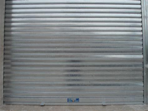 persianas metalicas ventajas de puertas y persianas enrollables para tu negocio