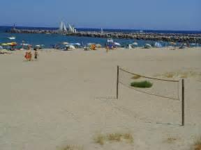 file port leucate aude oasis plage naturiste jpg