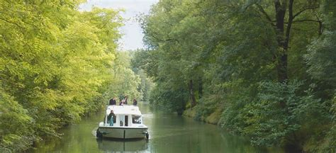 canal boat rental france review charente river cruises boat hire le boat