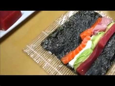 How To Roll Sushi Without Bamboo Mat by One Sumo Roll How To Make Sushi Series How To Make Sushi