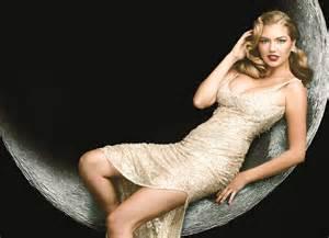 Vanity Fair Magazine Kate Upton Upton Recreates Original Vanity Fair Cover For 100th