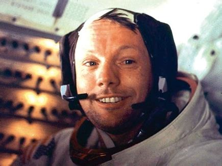 short biography of neil armstrong in hindi neil armstrong latest neil armstrong news in hindi naidunia
