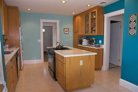 kitchen cabinet and wall color combinations wood cabinets and wood floor combinations innovative home
