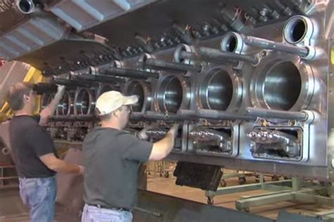 caterpillar boat engines video caterpillar diesel engines being assembled set to