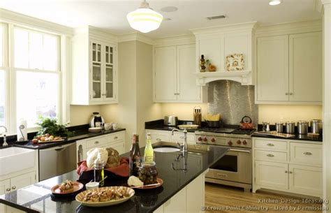 Cottage Style Kitchen Cabinets by Cottage Kitchens Photo Gallery And Design Ideas