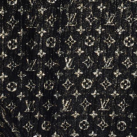 lv monogram pattern louis vuitton monogram silk so glitter stole noir black 84679