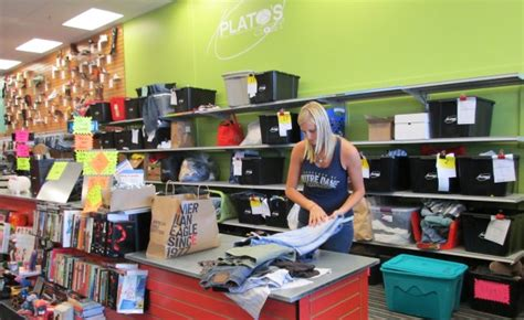 Platos Closet Closing Time by Plato S Closet Opens Doors Friday Economy Qctimes