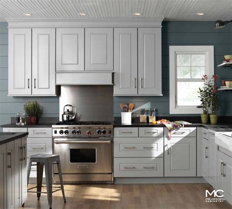inexpensive white kitchen cabinets mid continent cabinetry mid continent cabinets at bkc