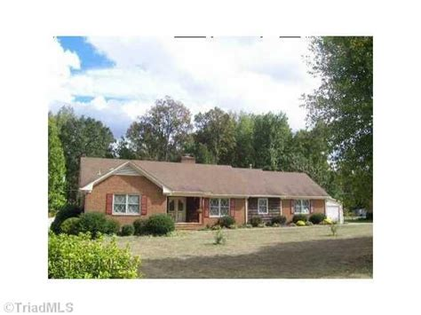 5405 forest oaks dr greensboro nc 27406 foreclosed home