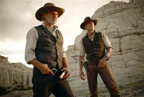 cowboy film daniel craig cowboys aliens trailer harrison ford daniel craig