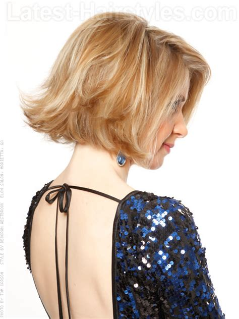 flipped out bob hairstyle hair cut ideas pinterest flipped out bob blonde style with volume love the color