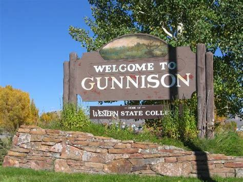 Awesome Things To Do On Christmas Vacation #4: Welcome-to-gunnison.jpg