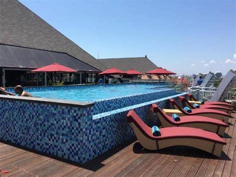 foto van  kuta beach heritage hotel bali managed