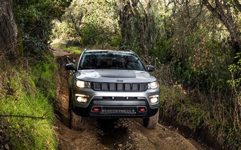 comparison jeep compass limited 2018 vs kia sportage
