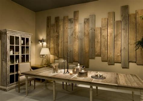ingenious wall made with wooden pallets