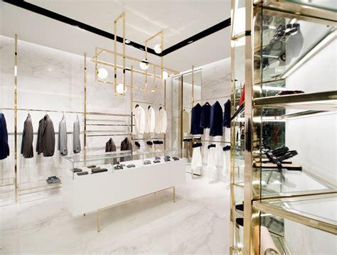 closet store by meregalli merlo architetti associati