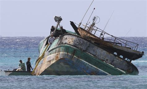 boat crash hawaii hawaii boat crash spurs new concerns about foreign